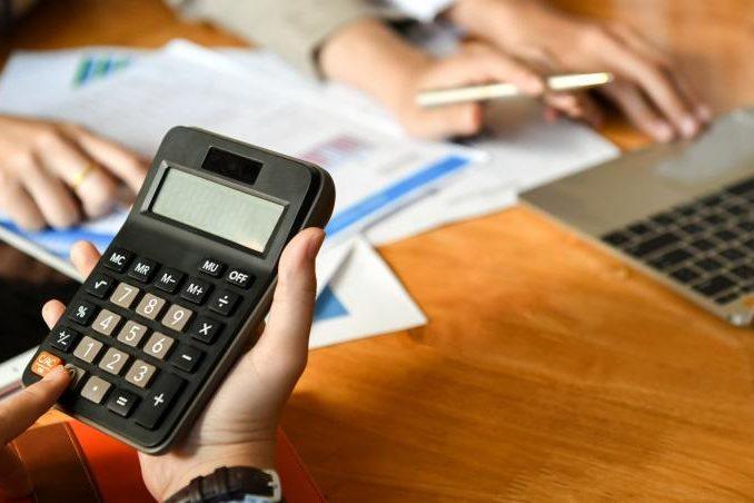 Боитесь самостоятельно разбираться с бухгалтерской отчетностью? Скачивайте бесплатный софт!